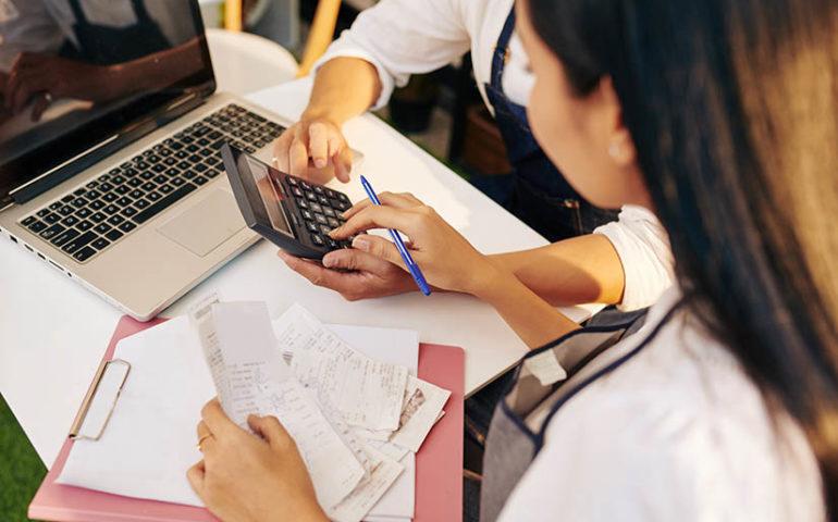 calculadora de Excel de gastos de la empresa