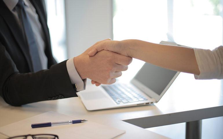 Cómo incorporar a empleados extranjeros en una empresa en España