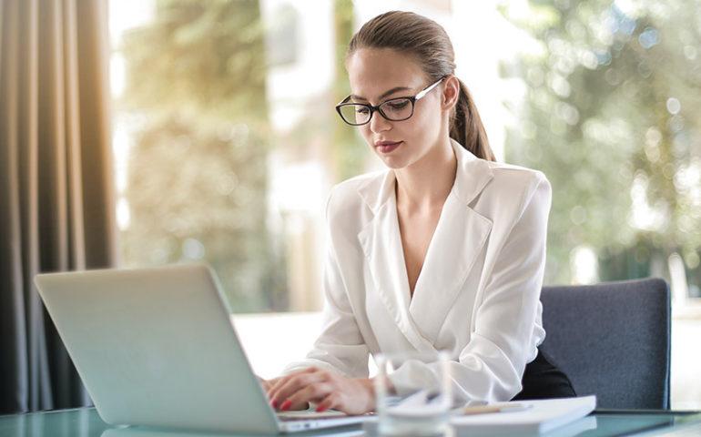 Cómo escoger el programa de seguimiento del tiempo de tus empleados perfecto para tu empresa