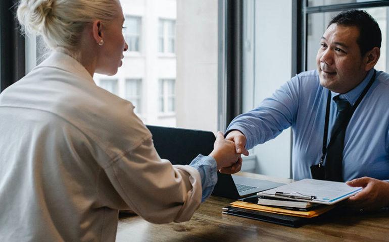 Claves para incorporar al primer trabajador en tu empresa