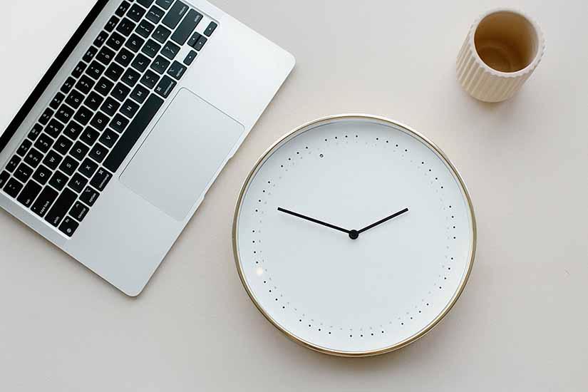 Actualmente la jornada laboral en Colombia es de 48 horas, pero hay una propuesta aprobada por el Senado que pretende cambiarla a 40 horas.