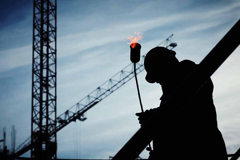 Como empleador tienes unas obligaciones que debes cumplir, más si tus trabajadores laboran en alturas.