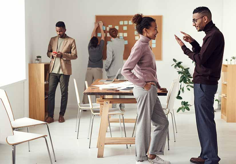 La comunicación es una de las bases que mantienen en orden una empresa. En este artículo te damos unos consejos para tener una comunicación asertiva en tu lugar de trabajo